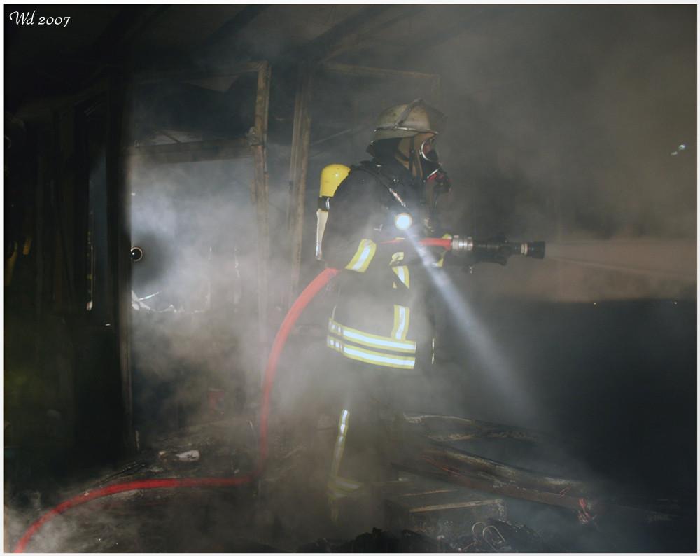 Feuer in einem Bürogebäude 2
