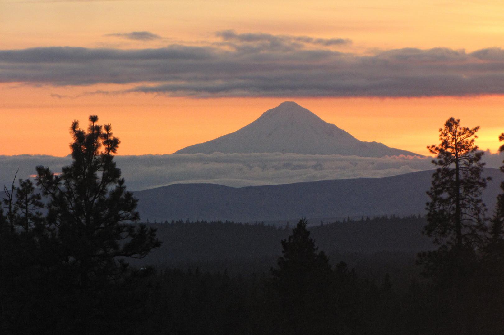 Feuerroter Vulkan