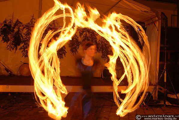"""Feuershow mit """"Spiral Fire"""""""
