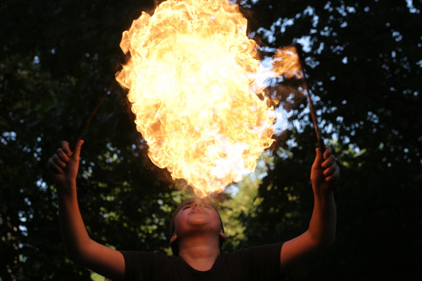 """Feuerspucken """"doppelt"""""""