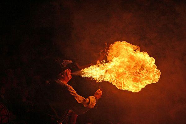 Feuerspucker at Night