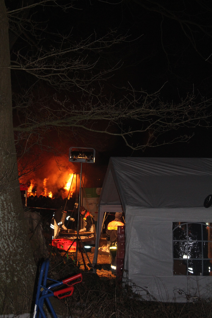 Feuerwehreinsatz am Osterfeuer