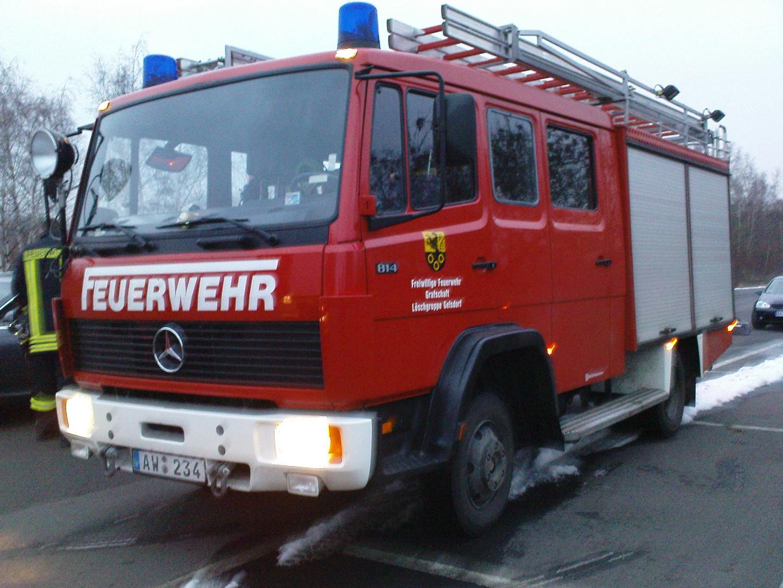 Feuerwehrfahrzeug 01