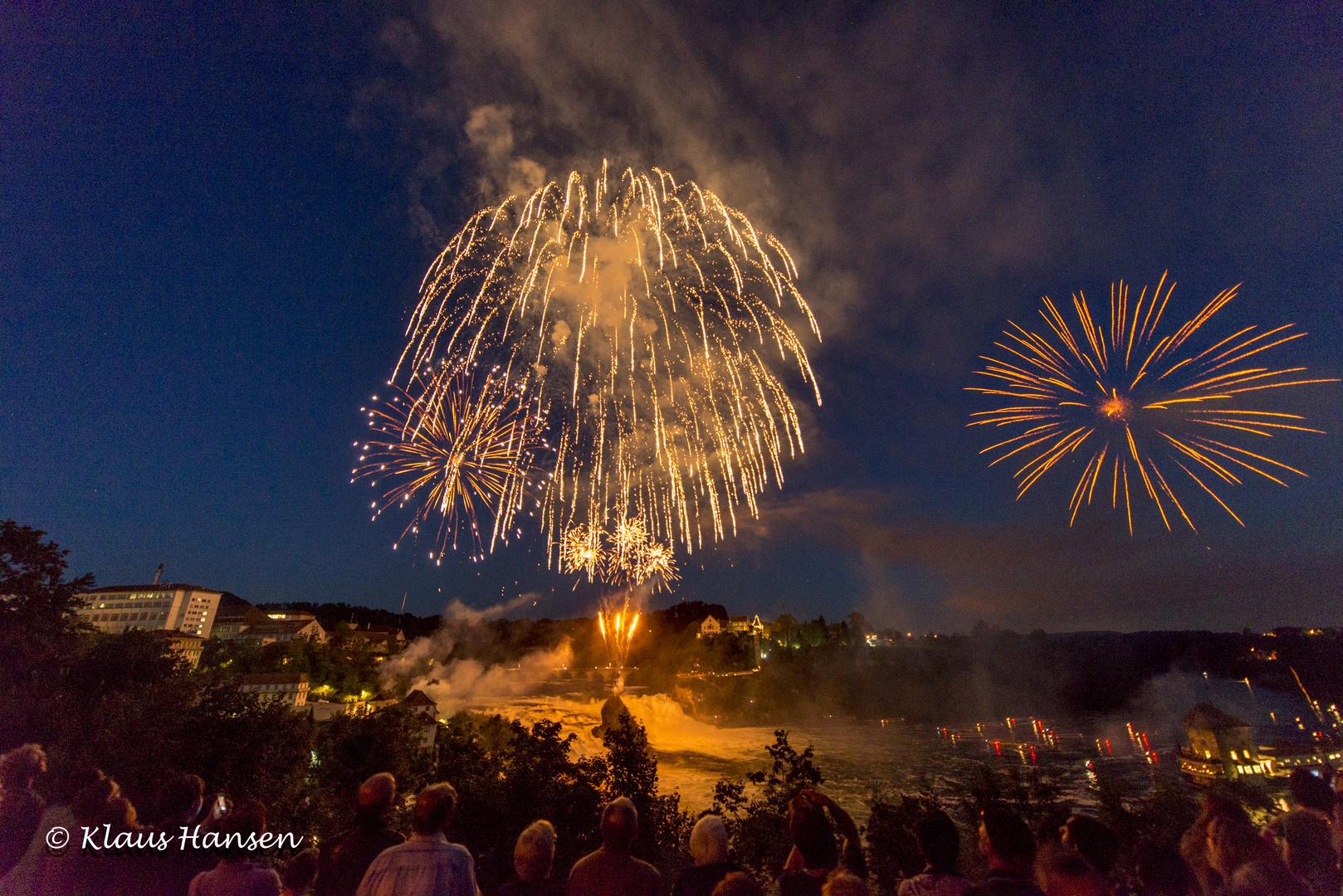 Feuerwerk am Rheinfall