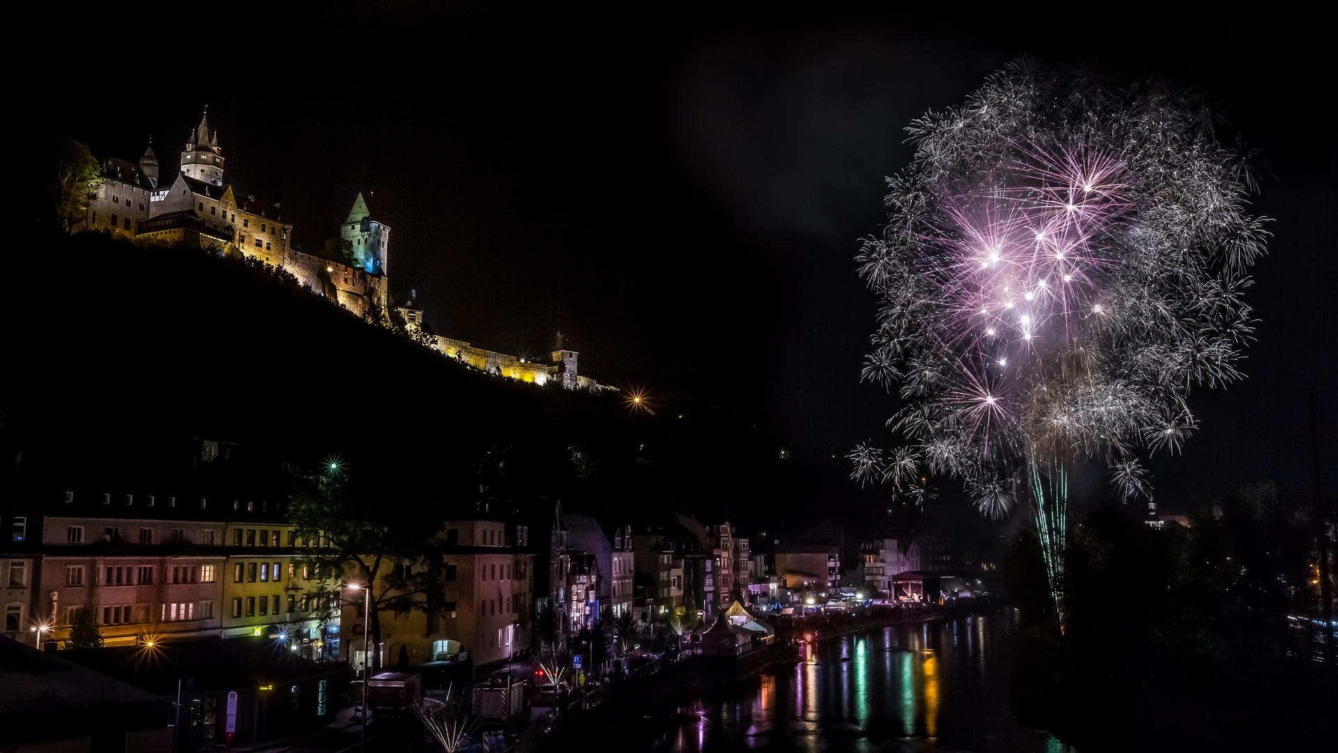 Feuerwerk an der Burg Altena