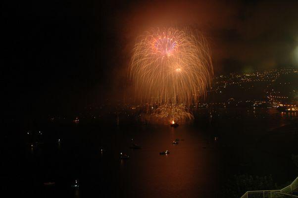 Feuerwerk auf See