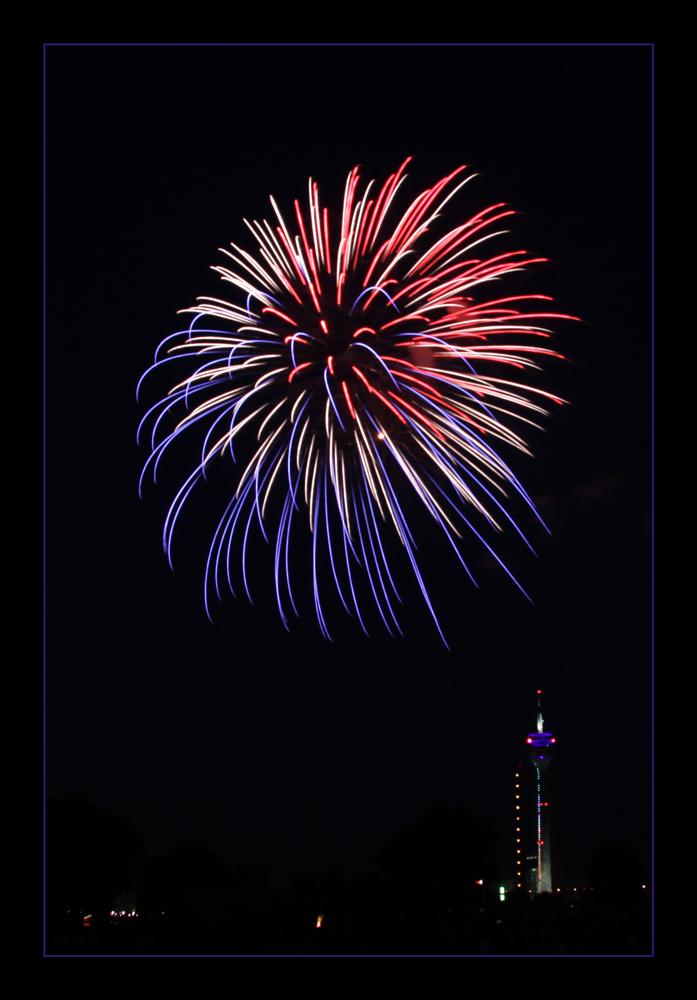 Feuerwerk beim Japantag in Düsseldorf