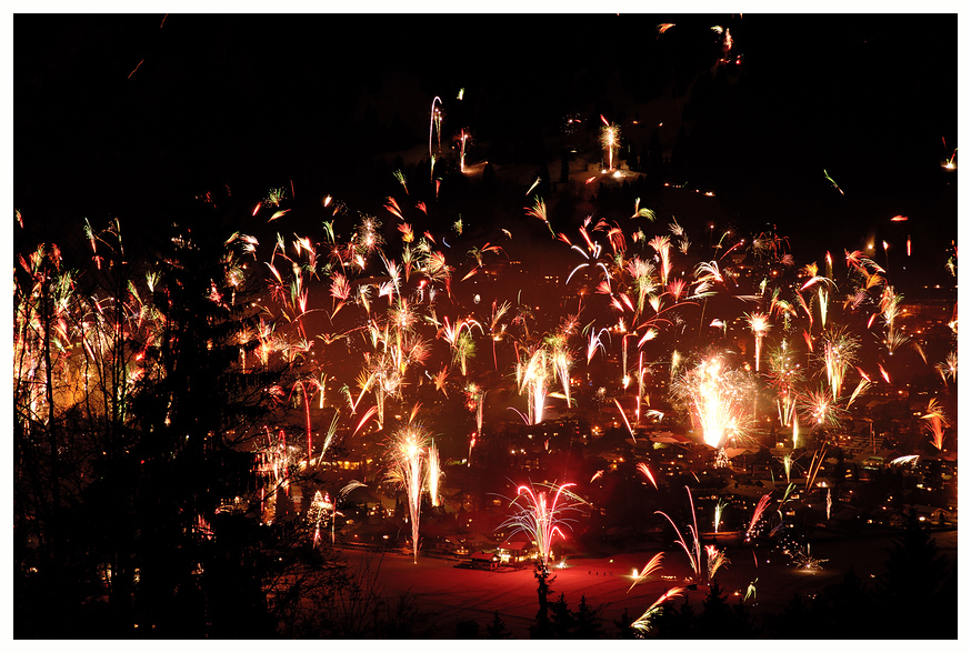 Feuerwerk-Collage aus 11 Einzelbildern