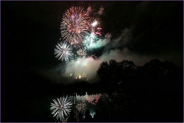 Feuerwerk ...............