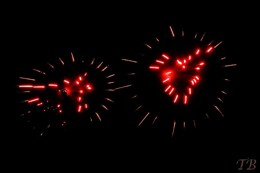Feuerwerk mit zwei Herzen