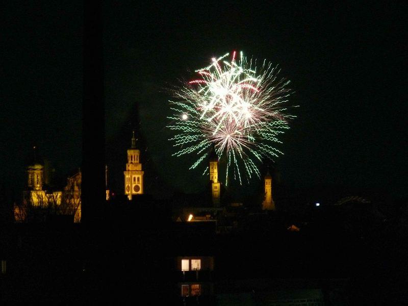 Feuerwerk über Augsburgs Plärrer