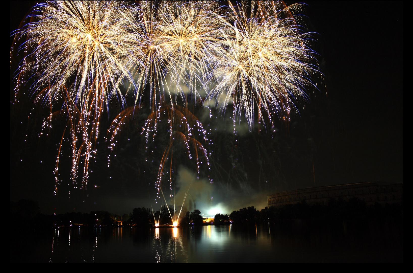 Feuerwerk über der Kongresshalle Teil 2