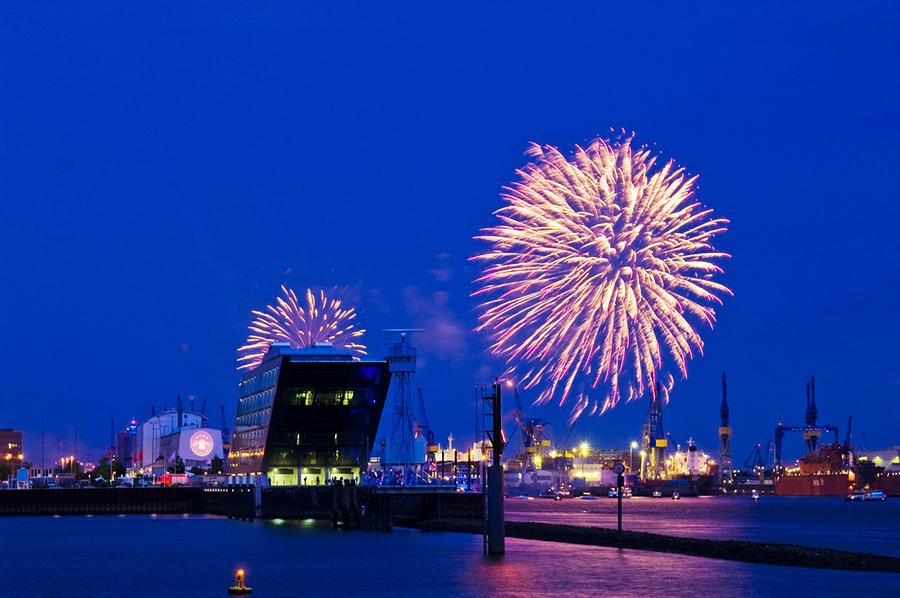 Feuerwerk über Dockland