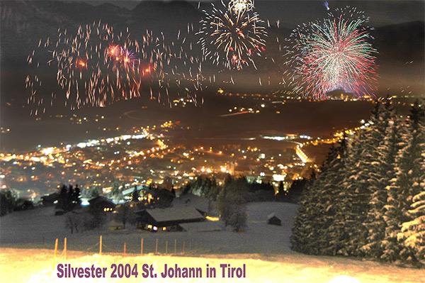 Feuerwerk über St. Johann