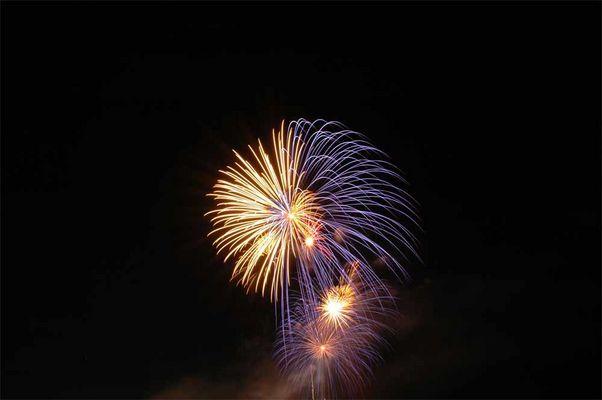 Feuerwerk überm Mittelmeer