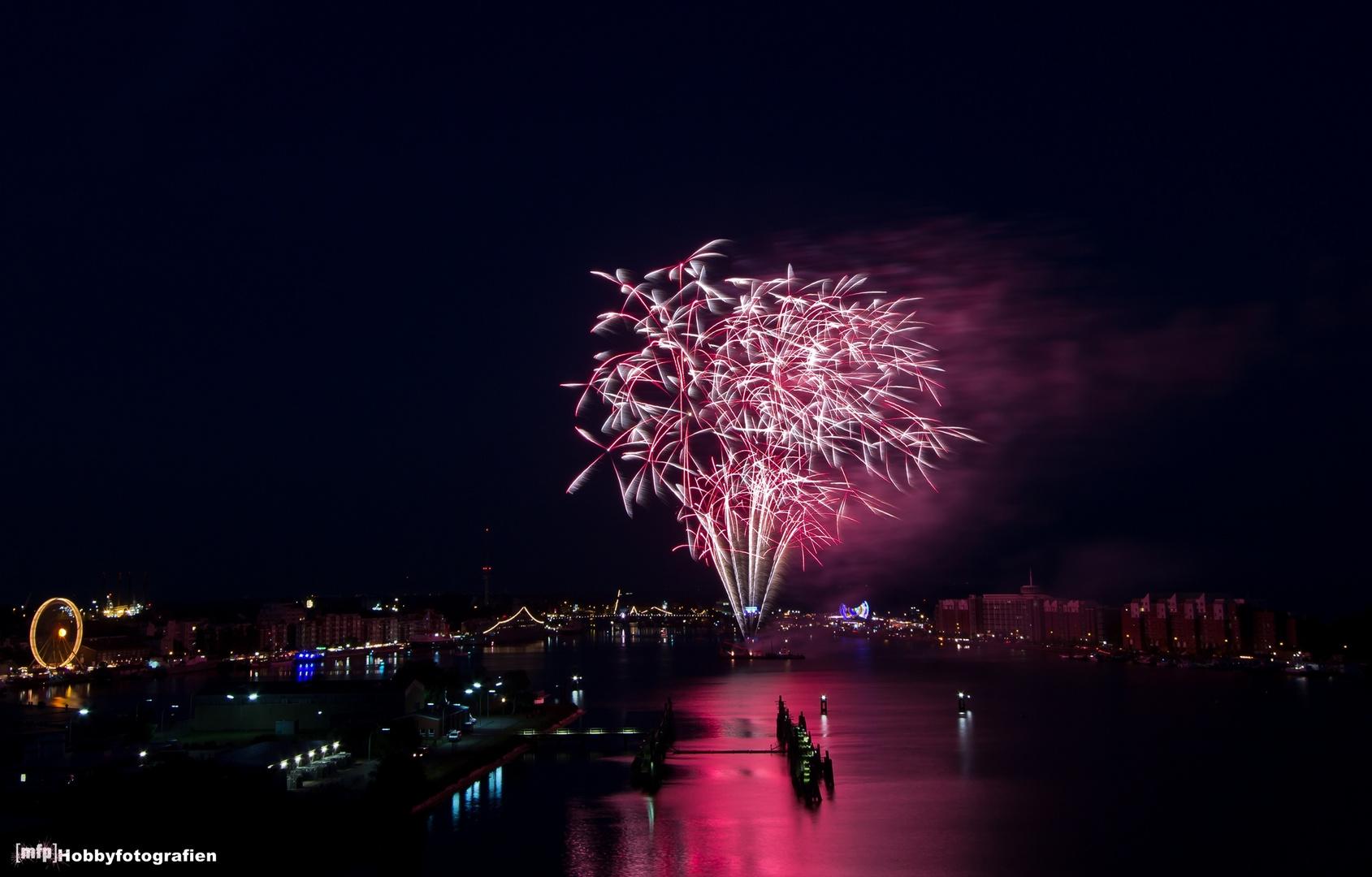 Feuerwerk zum 39. Wochenende an der Jade