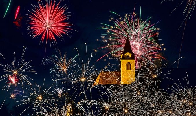 Feuerwerk zum Jahreswechsel in Gratwein Straßengel!