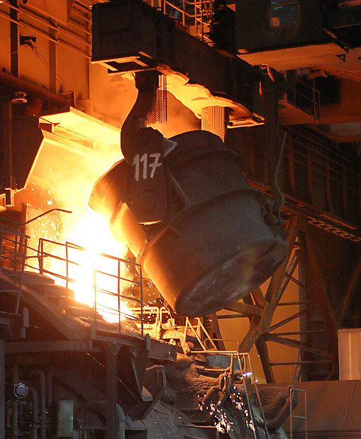 Feuerzauber im Stahlwerk