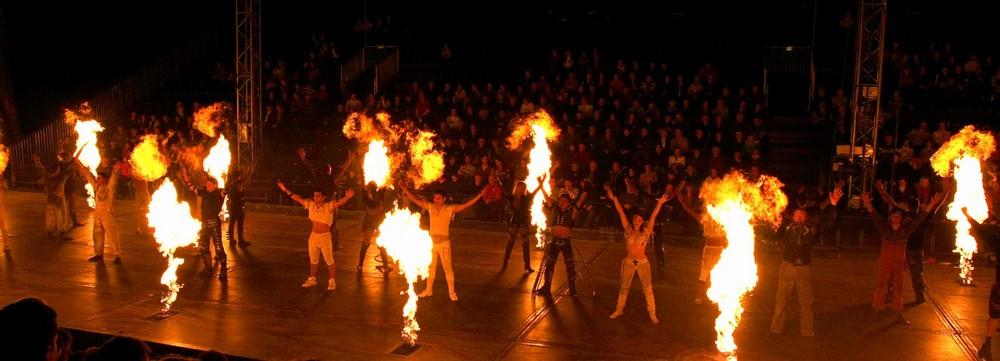 Feuriger-Start zum neuen Programm.No Limits Flic-Flac.2007 Aachen Benplatz.n.-04.11.07