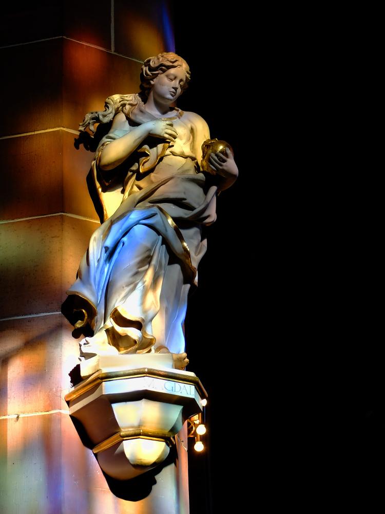 FFM-Liebfrauenkirche-Madonna