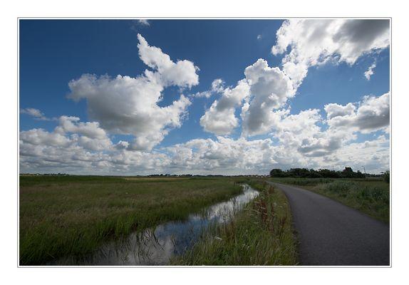 Fietspad_Wolken