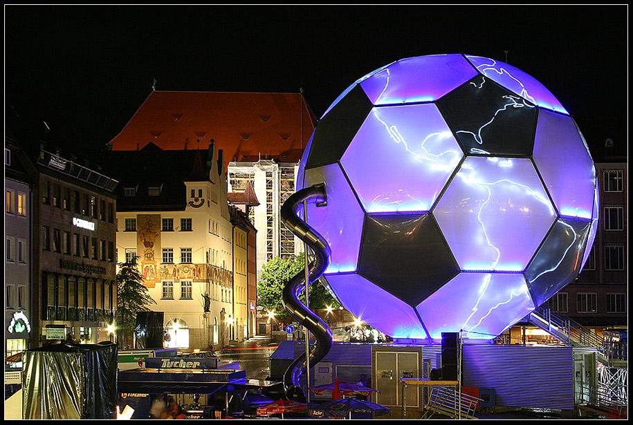 Fifa WM Globus in Nürnberg