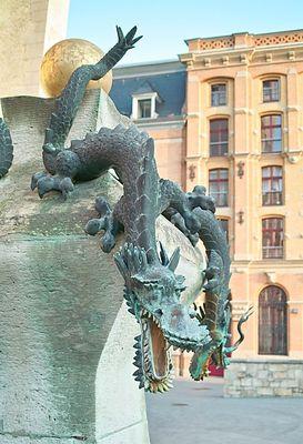 Figur II am Drachenbrunnen