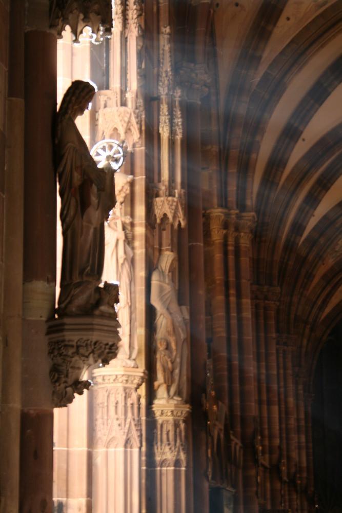 Figur von der anderen Seite im Dom von Strasbourg