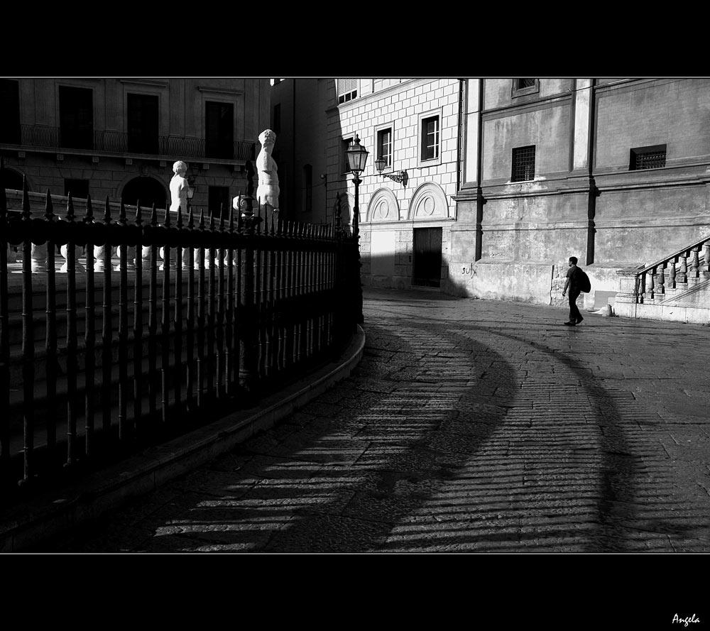 Figure solitarie
