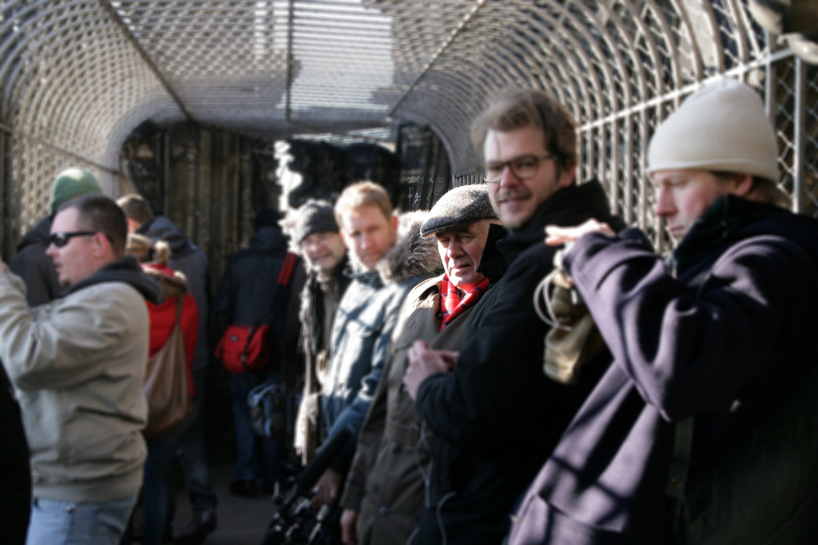 Filmdreh im Kölner Dom-Turm --- Wer kennt den Schauspieler?