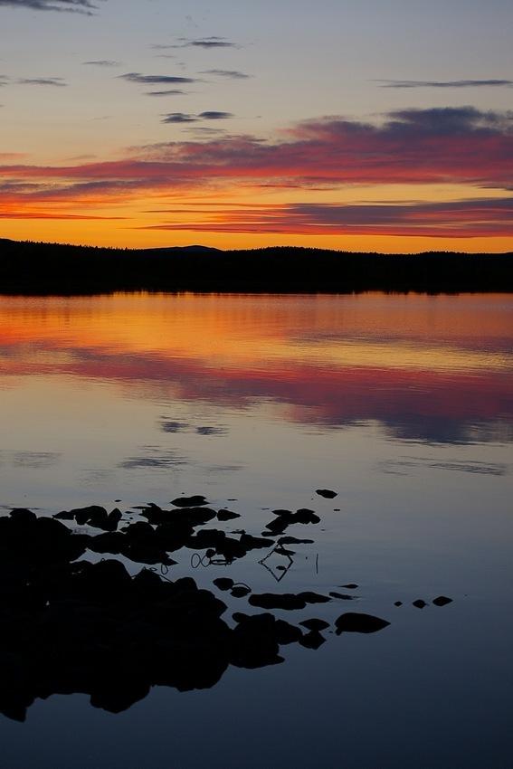 Finnisch blau-orange-violett...