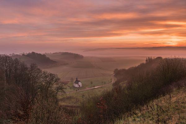 *Fintenkapelle im Morgenlicht*