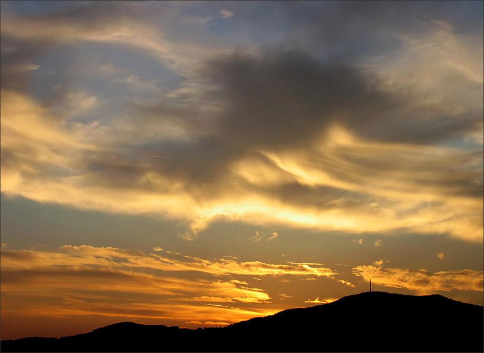 ~~ Fire in the sky ~~