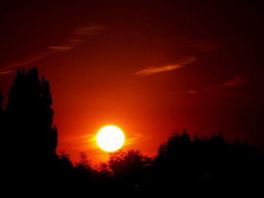 Fireball (Sonnenuntergang aus dem Küchenfenster)