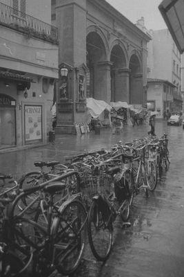 Firenze sotto la pioggia.....anni fa