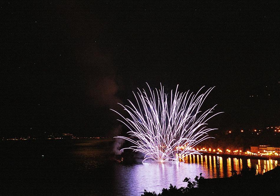 Fireworks at Lago di Garda (4)