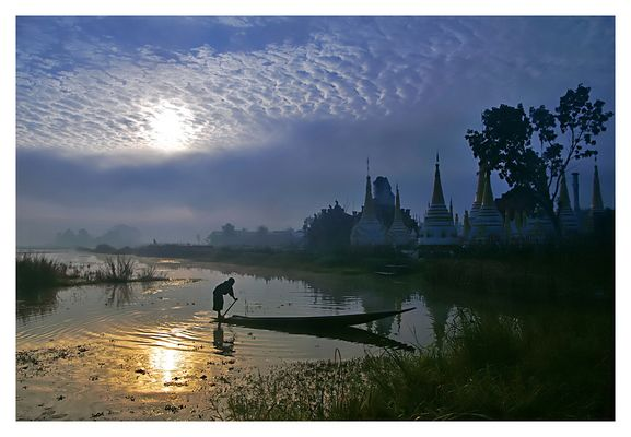 first light in Nyaung Shwe
