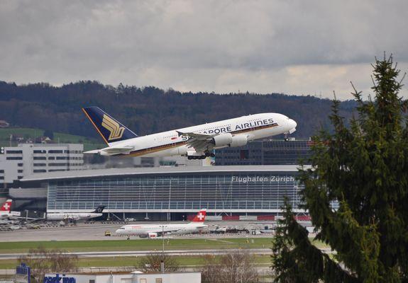 First SQ A380 in Zurich