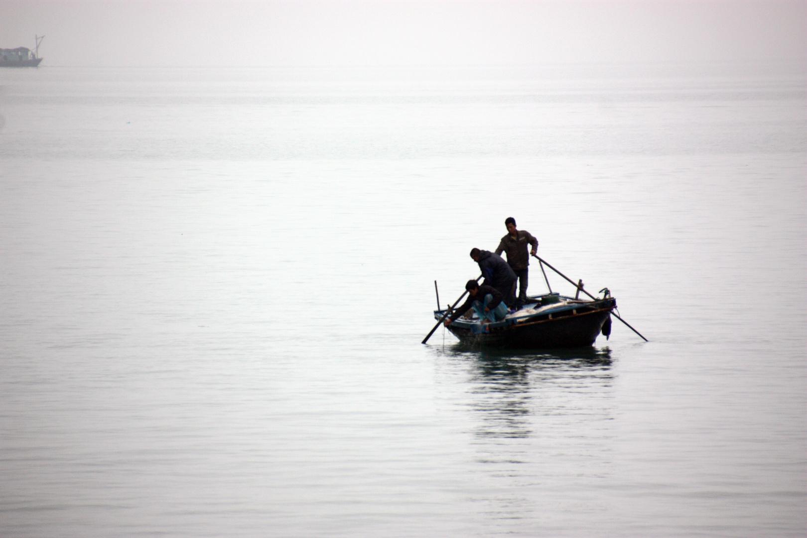 Fischer in der Halong Bucht - Vietnam
