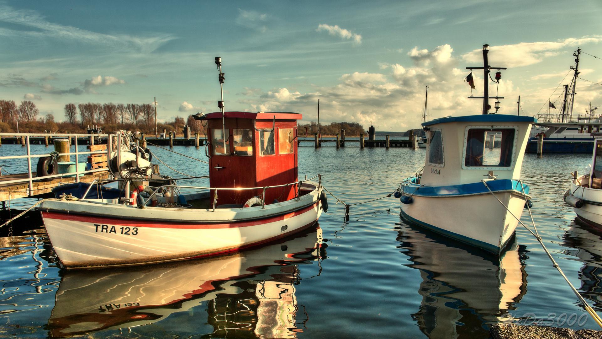 Fischerboote im Hafen von Travemünde 3