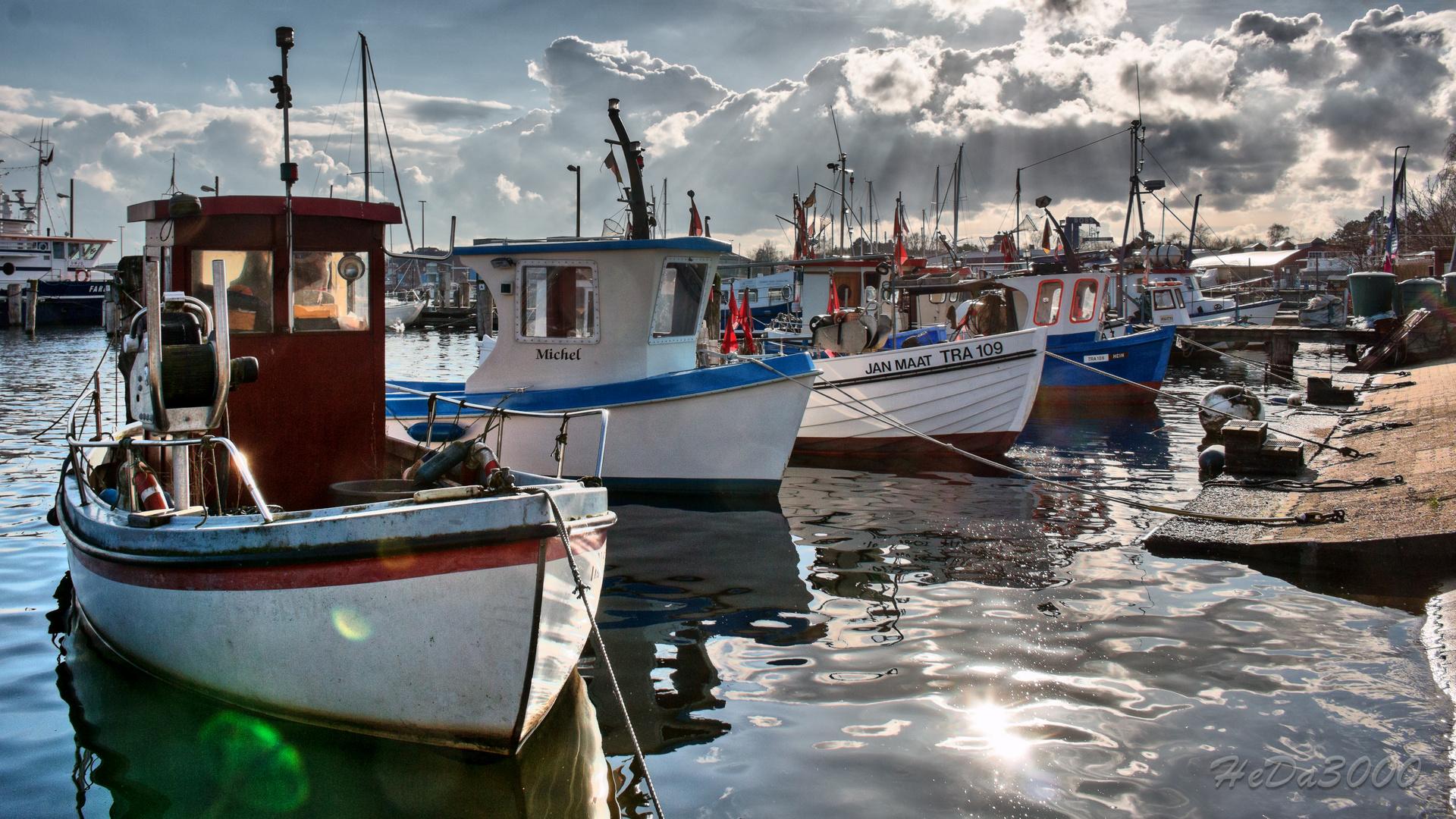 Fischerboote im Hafen von Travemünde