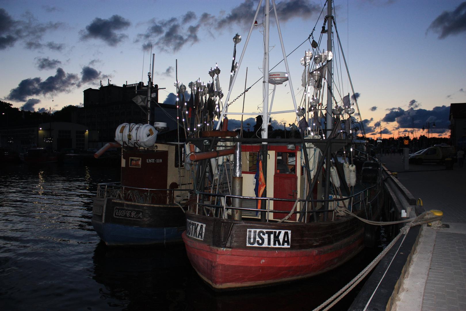 Fischerboote im hafen von Ustka