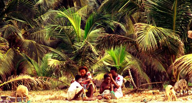 Fischerfrauen mit Kindern