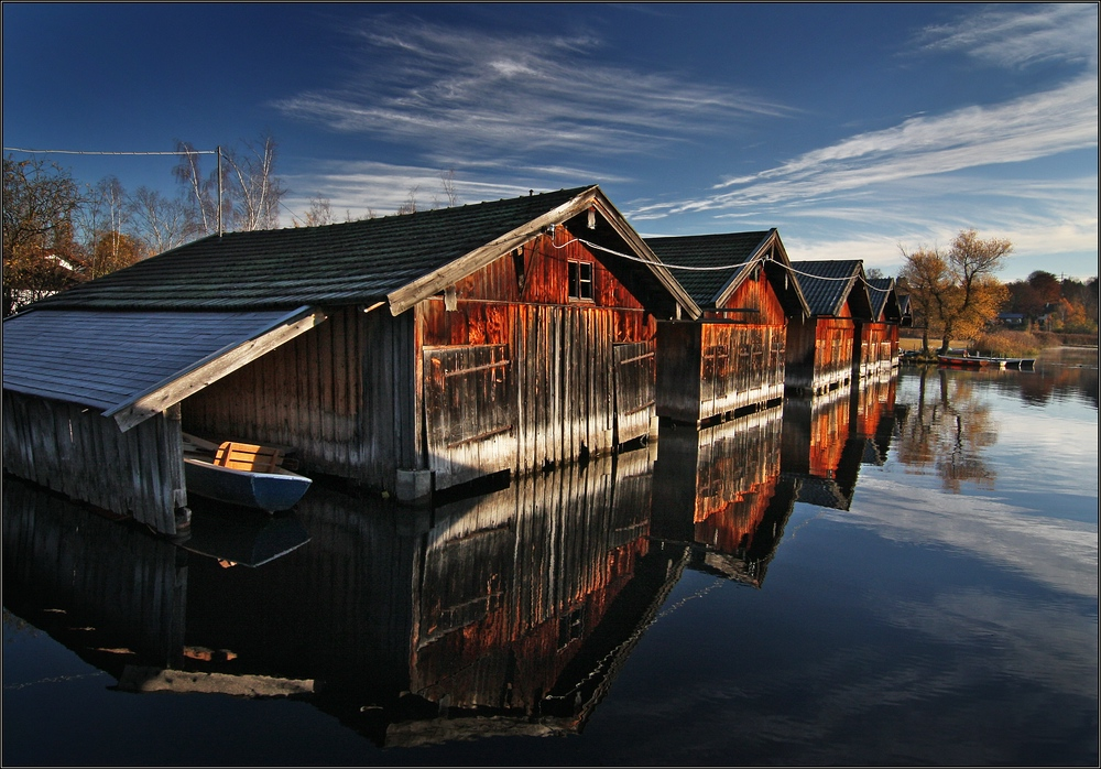 ~ Fischerhütten in der Morgensonne ~