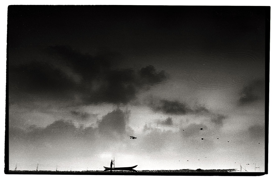 [ fisherman beneath the sky ]