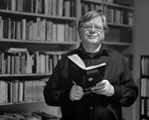Fitzgerald Kusz, Schriftsteller