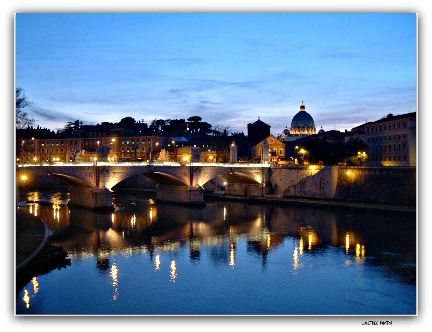 Fiume Tevere at Night