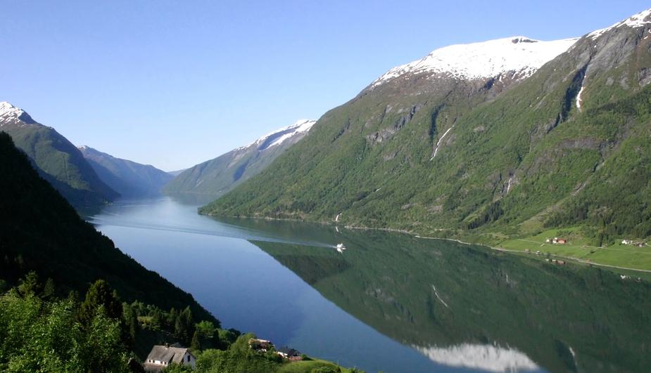 Fjaerlandsfjorden