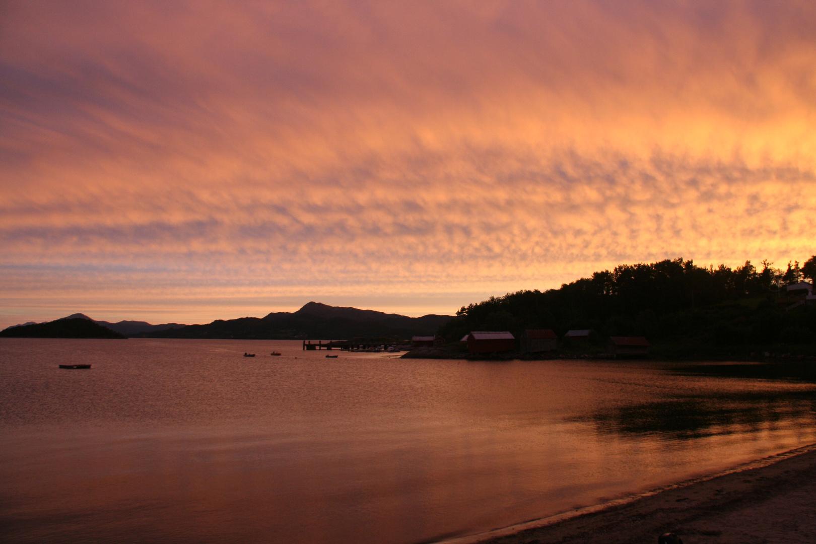 Fjord am Abend