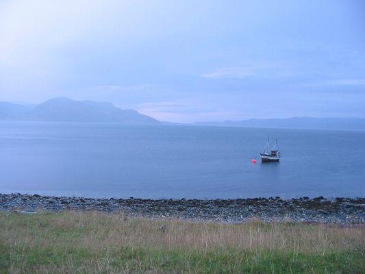 Fjord bei Kvalsund in der Finnmark (Norwegen)
